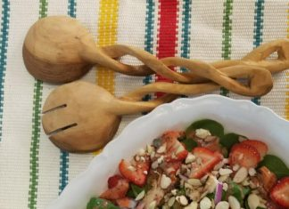 http://socalchristianvoice.com/strawberry-spinach-salad-grilled-chicken/